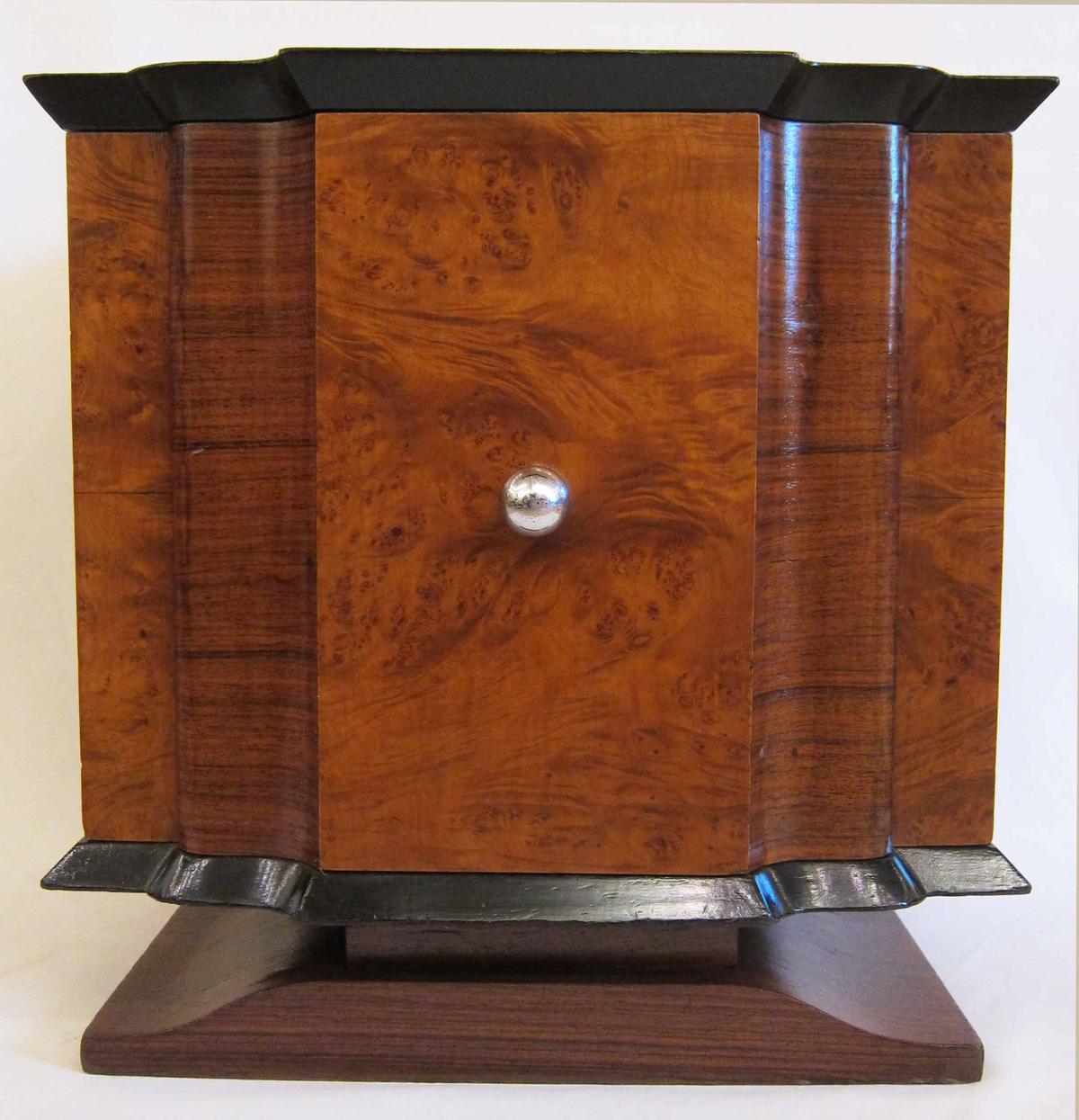 Art Deco Kitchen Cabinets: A Small Art Deco Cabinet